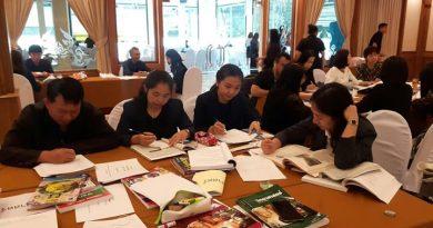 ประชุมจัดทำคัดเลือกบัตรข้อสอบ หลักสูตรการศึกษานอกระบบ ระดับการศึกษาขั้นพื้นฐาน พุทธศักราช 2551